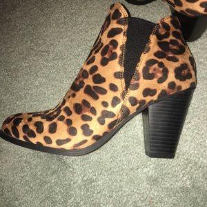 NIB Leopard booties